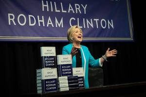 hundreds of hillary clinton suspicious book reviews go missing on amazon