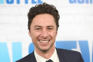 zach braff is '#blessed' to be 'face of russian boner problems'