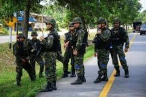 Roadside bomb blasts kill one soldier, injure 20 people in Thailand