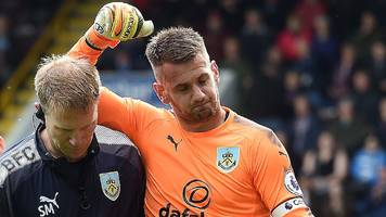 Burnley keeper Heaton has shoulder surgery