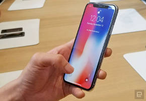 Apple says too many faces ruined its Face ID stage demo