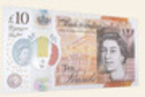 the new £10 notes are out and they are going for crazy...