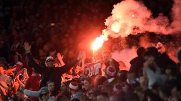 Crowd trouble mars Arsenal v Cologne