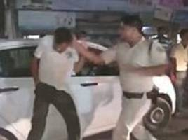 Angry policeman slaps driver in fit of rage in India