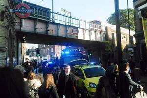 London Tube 'explosion': Parsons Green station closed and police on scene