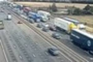 Traffic at a standstill as M25 partially blocked at Lakeside...