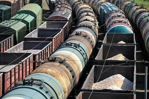 Man arrested after jumping onto moving freight train