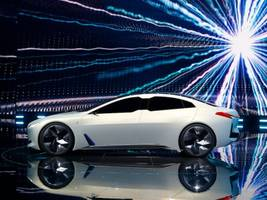 These electric cars will challenge Tesla in the next 5 years