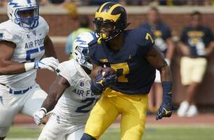 No.7 Michigan outlasts Air Force, pulls away late for 29-13 win