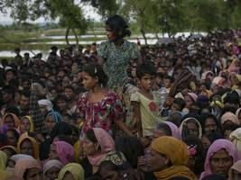 Bangladesh announces to build shelters for Rohingya Muslims fleeing from Myanmar
