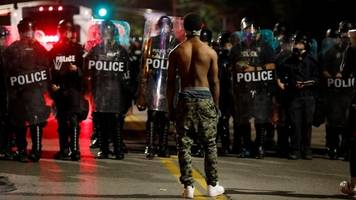 St Louis police killing: 30 arrests after acquittal protests