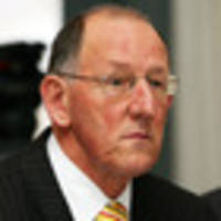 Businessman and former mayor Dick Hubbard endorses Labour over climate change