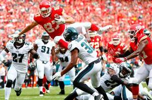 Travis Kelce's dazzling aerial assault scores a touchdown for the Chiefs