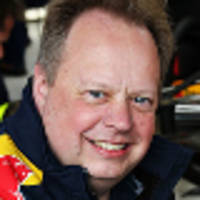 aston martin wants to be more involved in f1