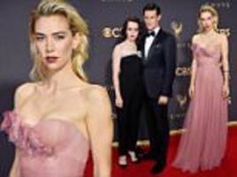 the crown's claire foy and matt smith wow at emmys 2017