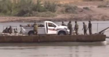 Will The US Bomb? First Images Of Syrian Army Crossing The Euphrates River In Deir Ezzor