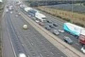 broken down lorry on m25 causing 90 minute delays near brentwood