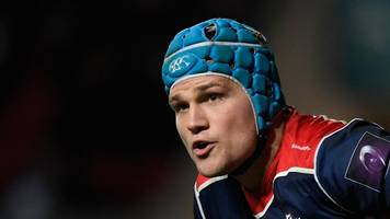 cardiff blues sign bristol's robinson as open-side cover