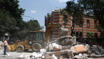 Dramatic Footage Of Mexico Earthquake Shows Buildings Collapsing Into Rubble