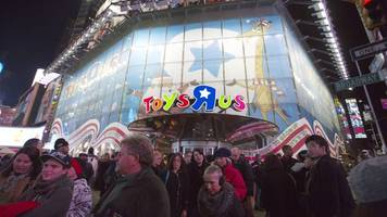 Toys R Us files for bankruptcy protection to pay off $5 billion debt