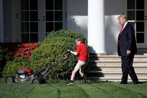 former new york times reporter mocked for saying boy mowing the white house lawn is bad signal on child labor