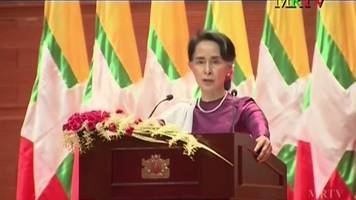 Aung San Suu Kyi: 'We will accept refugees who want to return'