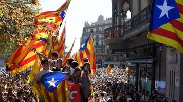 catalonia referendum: protests over raids to halt vote
