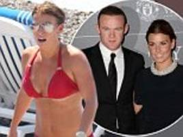 Pregnant Coleen Rooney 'urges husband Wayne to grow up'
