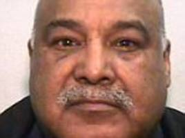 rochdale sex gang leader stamped on fellow prisoner's face