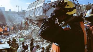 Mexico Begins Latest Earthquake Recovery Effort; Death Toll Passes 100