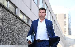 bhs buyer dominic chappell denies evading watchdog's probe