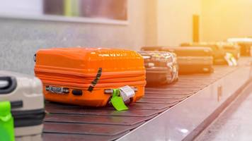 Singapore baggage handler 'swapped hundreds of tags'