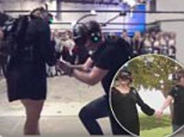 Melbourne man proposes to girlfriend in virtual reality