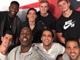 Fabregas, Courtois and Bellerin hang out with Gary Payton