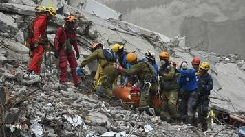 mexico earthquake: death toll rises, as search for survivors goes on