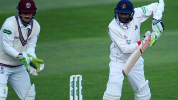 ashes 2017-18: haseeb hameed hurt during county championship match