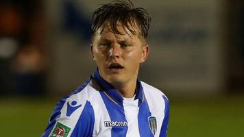 Frankie Kent: Colchester United defender signs new contract until 2020