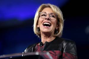 betsy devos uses her own plane when she travels — and does not bill the government