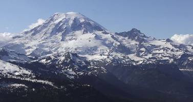 active volcano mt. rainer shaken by 'swarm' of 23 earthquakes