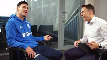 did gareth barry feel the pressure of phil neville's shirt?