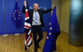 Moody's downgrades UK credit rating amid Brexit fears