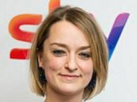 laura kuenssberg 'shielded by security at labour meeting'