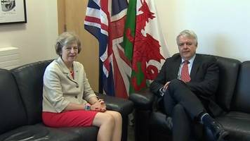 brexit: pm theresa may lacks skills, carwyn jones claims