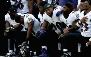 players kneel during national anthem in trump defiance