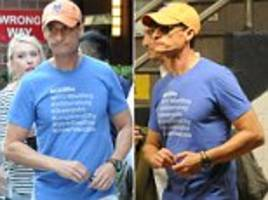 anthony weiner spotted on subway after he was sentenced