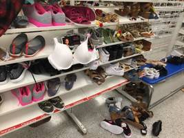 the chain hailed by wall street as a 'retail treasure' runs the most disastrous store we've ever seen