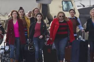 'whassup, pitches!': sample new songs and sass in 'pitch perfect 3' trailer (video)