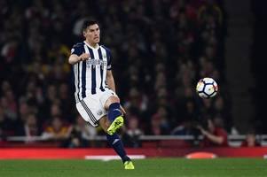 gareth barry surpasses manchester united legend ryan giggs' premier league appearance record