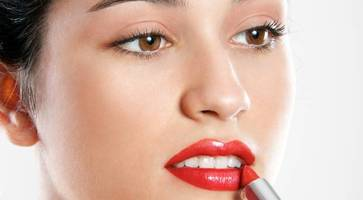 make-up masterclass: how to get perfect red lips