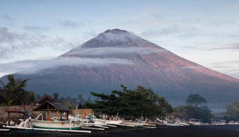 50,000 evacuated from bali as nation faces imminent volcanic eruption